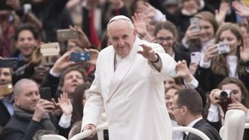 23-02-2017 05:50 Papież polecił kupić żywność z terenów trzęsienia ziemi. Trafiły do stołówek dobroczynnych