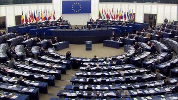 25-02-2016 13:06 CBOS: opinie o wszczęciu przez KE postępowania wobec Polski - podzielone
