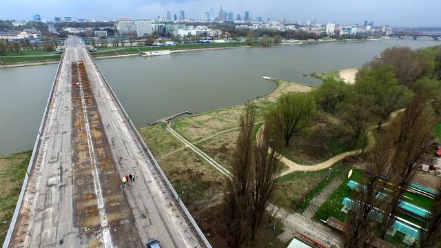 Koniec śledztwa ws. pożaru Mostu Łazienkowskiego. Nikt nie usłyszał zarzutów