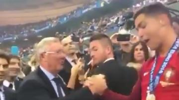 Ronaldo i Nani wyściskani przez Fergusona! (WIDEO)