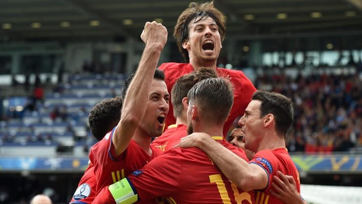 Męczarnie Hiszpanii z Czechami. Gol Pique uratował faworyta