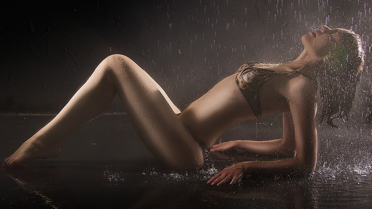 We Francji nakaz oznaczania wyretuszowanych zdjęć modelek i modeli. Wysokie kary za złamanie prawa
