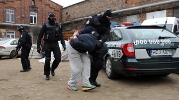 Przejęto 20 ton tzw. płynnej pigułki gwałtu. Substancja była rozprowadzana po całej Polsce