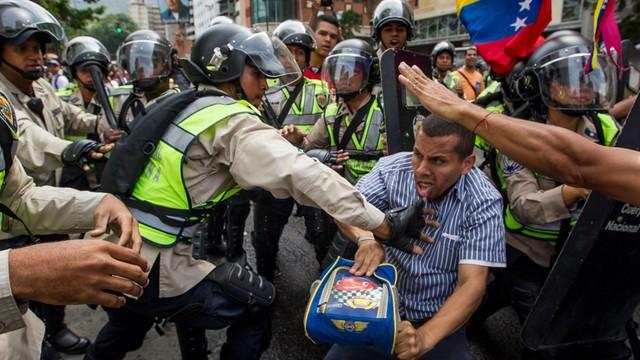 Zamieszki w stolicy Wenezueli - 50 osób rannych