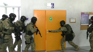 Policyjne ćwiczenia na Uniwersytecie Śląskim. Ponad 200 zakładników w rękach terrorystów