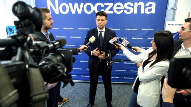 Petru: Nie jestem posłem zawodowym, nie pobieram wynagrodzenia za pracę w Sejmie