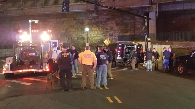 USA: znaleziono plecak z pięcioma ładunkami wybuchowymi w pobliżu stacji kolejowej