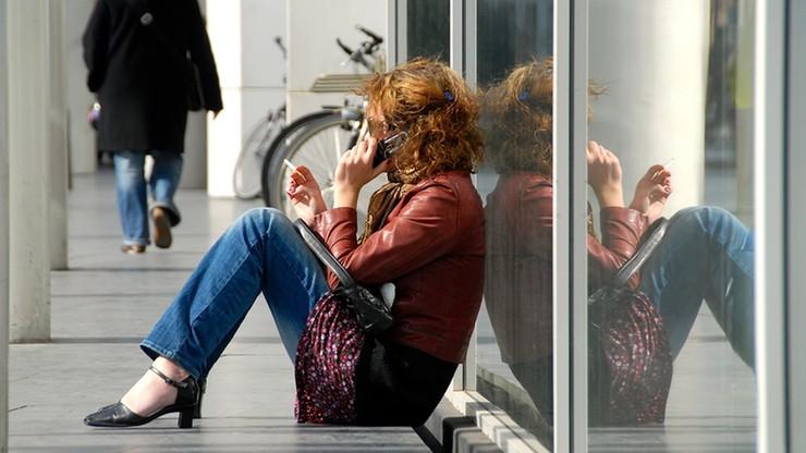 Opłaty roamingowe zostaną zniesione w połowie 2017 roku. KE przygotowuje decyzję