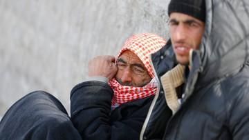 06-02-2016 07:05 Kilkadziesiąt tysięcy Syryjczyków zmierza ku granicy z Turcją