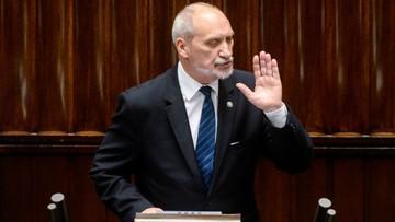 20-10-2016 15:29 Szef MON: Misiewicz nadal zawieszony w funkcjach. Ale nie przestał pracować w gabinecie politycznym