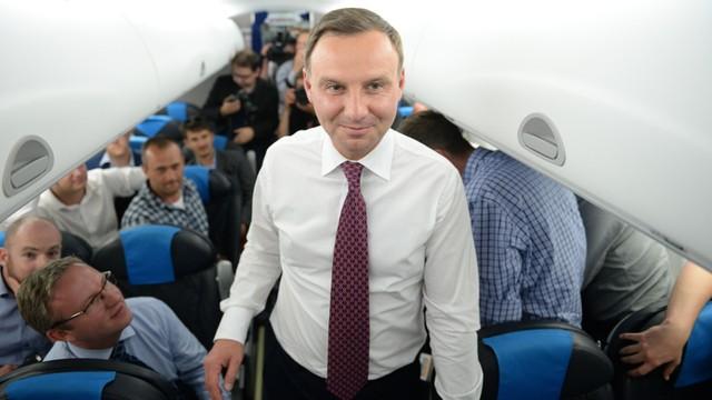 Prezydent: Premier prowadzi kampanię, a ja polskie sprawy