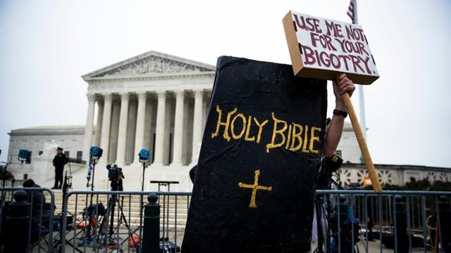 USA - wolność religii kontra prawa gejów przed Sądem Najwyższym