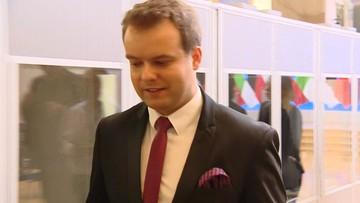 """12-09-2017 20:28 """"Macierewicz z Błaszczakiem tworzą nowe ORMO"""" kontra """"Umowa między wojskiem a policją standardowa"""""""