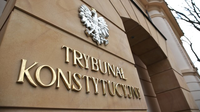 Sejm przyjął ustawę o statusie sędziów TK