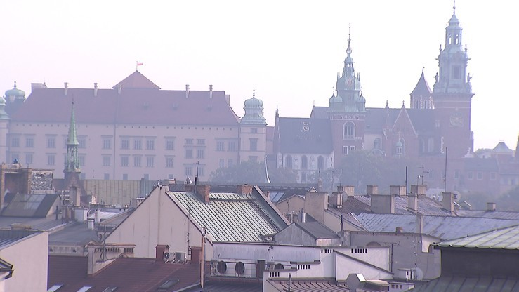 Kraków: czystsze powietrze, komunikacja miejska znów płatna