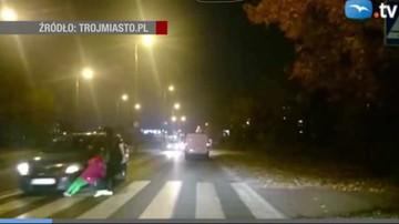 Gdańsk: kobieta na pasach ratuje dziecko przed samochodem. Policja szuka kierowcy