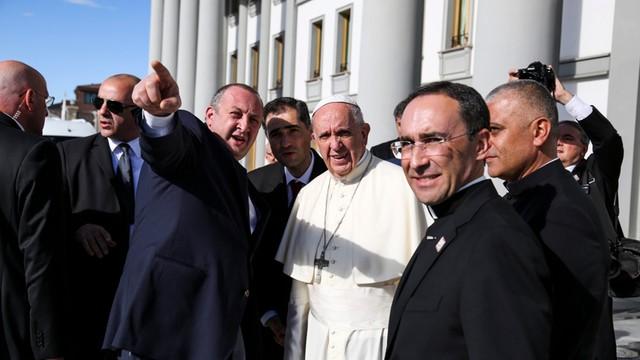 Papież z wizytą w Gruzji: wzywa do pokoju na Kaukazie