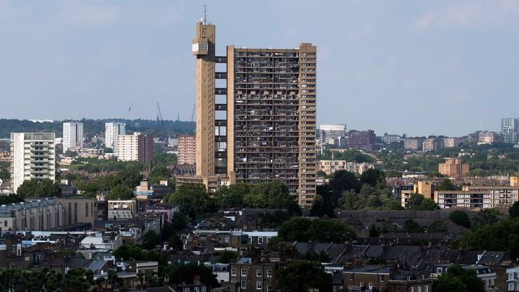 """""""Setki wieżowców mogą mieć łatwopalną elewację"""". Brytyjski rząd ostrzega"""