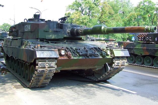Bundeswehra otrzyma sto dodatkowych czołgów Leopard 2