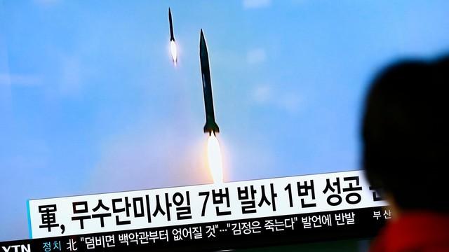 Korea Północna wystrzeliła trzy rakiety krótkiego zasięgu