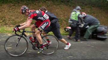 2016-07-13 Tour de France: Kolarze apelują o zastąpienie motocykli skuterami