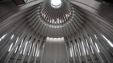 """11-11-2016 10:01 Tłumy w Świątyni Opatrzności Bożej. """"Uczestniczymy w historycznym wydarzeniu"""""""