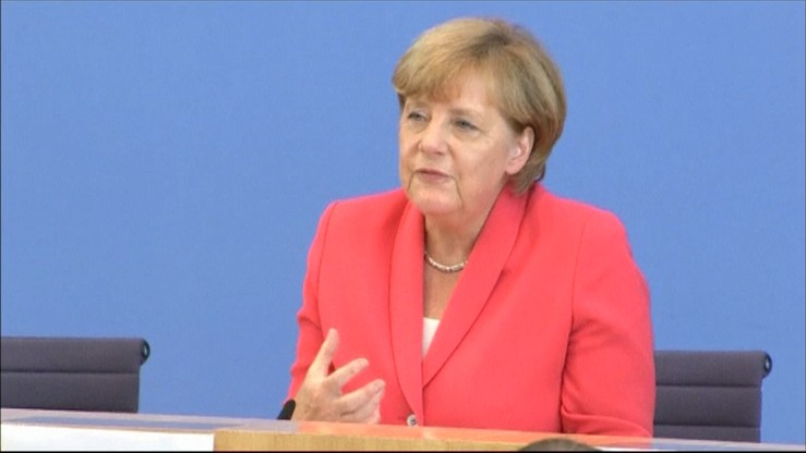 """Niemcy przyjmą mniej imigrantów. """"Ten kryzys stanowi historyczne wyzwanie"""""""