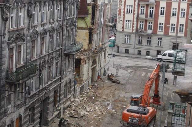 Prezydent odznaczy dziennikarzy, którzy zginęli pod gruzami kamienicy w Katowicach
