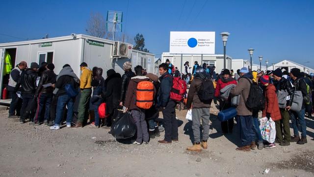 Komisja Europejska oskarża Grecję: Zaniedbują obowiązki ws. kontroli granicy