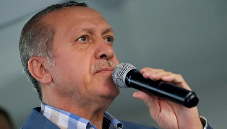 """Próba puczu nie dała Erdoganowi """"czeku in blanco"""" - szef francuskiej dyplomacji o nieudanym przewrocie w Turcji"""