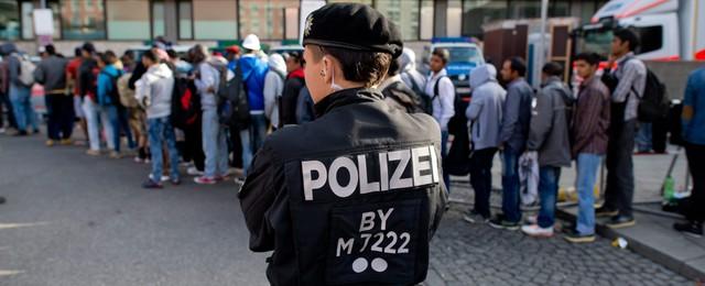 Niemcy: Szef MSW wycofał się z ograniczenia przywilejów dla Syryjczyków