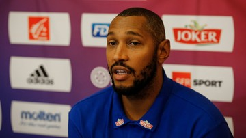 2017-09-17 Kapitan koszykarskiej reprezentacji Francji Diaw wraca do kraju