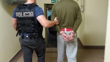 Napadł i okradł bezdomnego. Został zatrzymany dzięki internautom