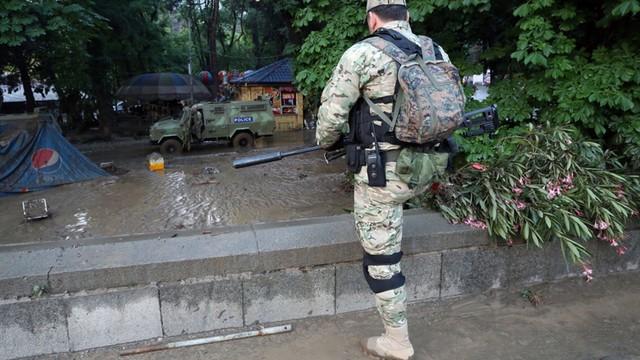 Tbilisi: lew zabił mężczyznę na ulicy. Siły specjalne wciąż tropią zbiegłe z zoo zwierzęta