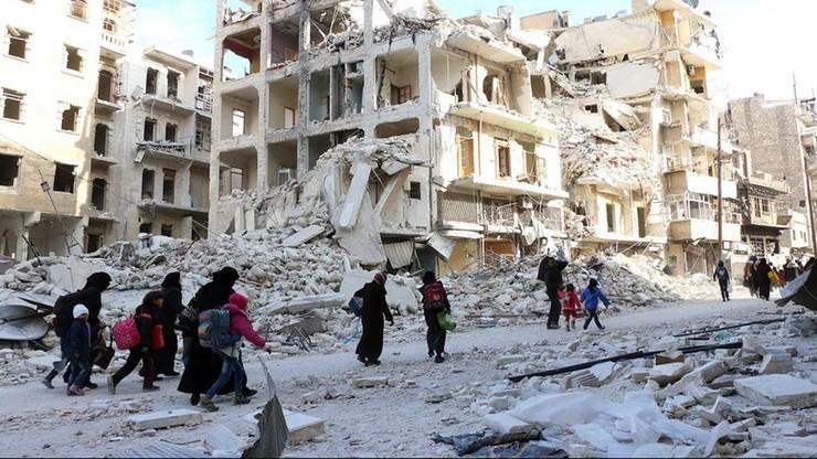 Z Aleppo w ciągu 4 dni uciekło 50 tys. ludzi