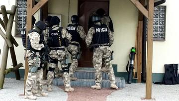 19-07-2016 07:10 Wyłudzili 500 mln zł z podatku VAT. Szef gangu zatrzymany