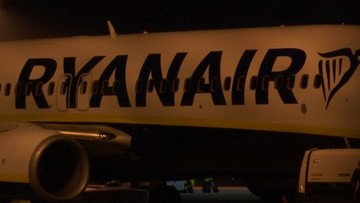 02-01-2018 22:46 Polak otworzył drzwi w samolocie i wyszedł na skrzydło. Miał dość czekania na pokładzie