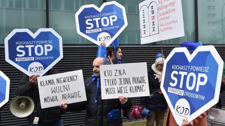 PZU protestuje przeciw wykorzystaniu swoich znaków towarowych przez KOD