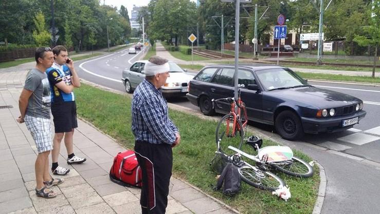 Miejski rower pękł na pół. Ranny został mężczyzna, który go wypożyczył