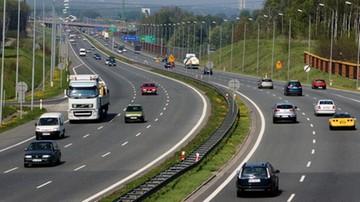 06-06-2017 14:30 Dodatkowe zakazy wyprzedzania dla ciężarówek na autostradzie A4