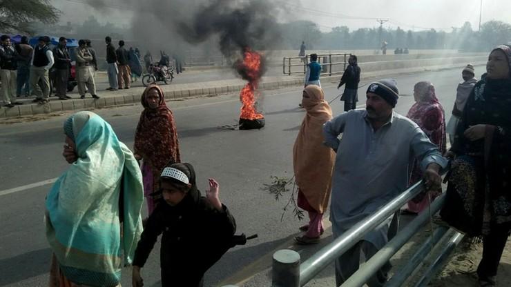 Protesty po brutalnym zabójstwie 7-latki w Afganistanie. W starciach zginęły dwie osoby