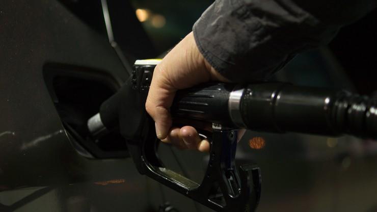 Ministerstwo finansów: co najmniej 2,5 mld zł rocznie ma dać budżetowi uszczelnienie obrotu paliwami
