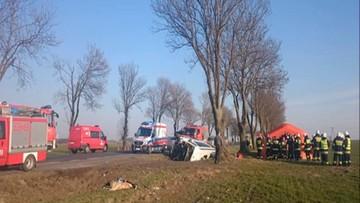 16-03-2016 17:58 Wypadek na Dolnym Śląsku. Dachował bus wiozący dzieci