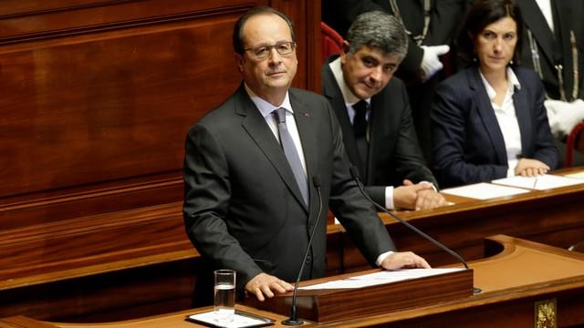 Hollande wzywa do rozprawy z Państwem Islamskim