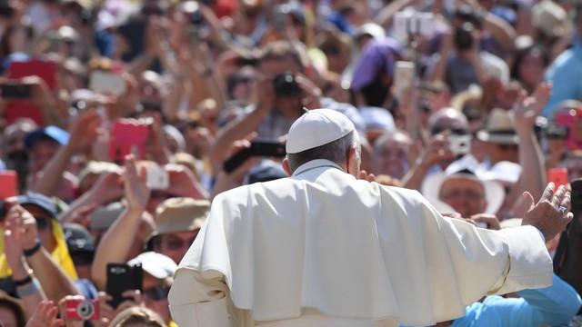 Papież do biednych: módlcie się o nawrócenie winnych waszego ubóstwa