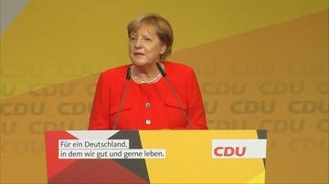 06-09-2017 05:13 Merkel obrzucona pomidorami na wiecu w Heidelbergu