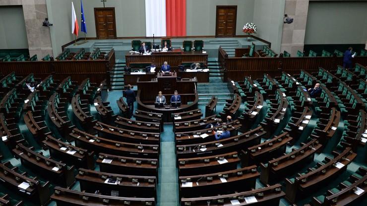 Opozycja zgodnie za odrzuceniem ustawy o statusie sędziów TK