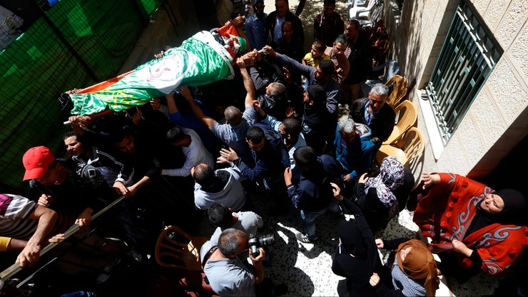 Izrael: sąd zachęca do wydania rodzinom zwłok palestyńskich napastników