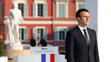 """14-07-2017 21:58 Rok po zamachu w Nicei Macron zapowiada """"bezlitosną walkę"""" z terroryzmem"""