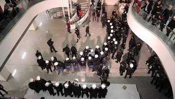 05-03-2016 06:32 Turecka policja weszła do redakcji gazety wroga Erdogana. Wybuchły zamieszki